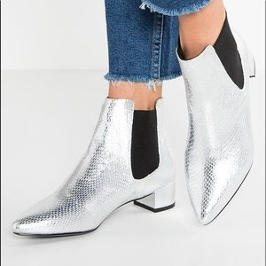 "Topshop ""Krazy"" chelsea silver pointy booties"